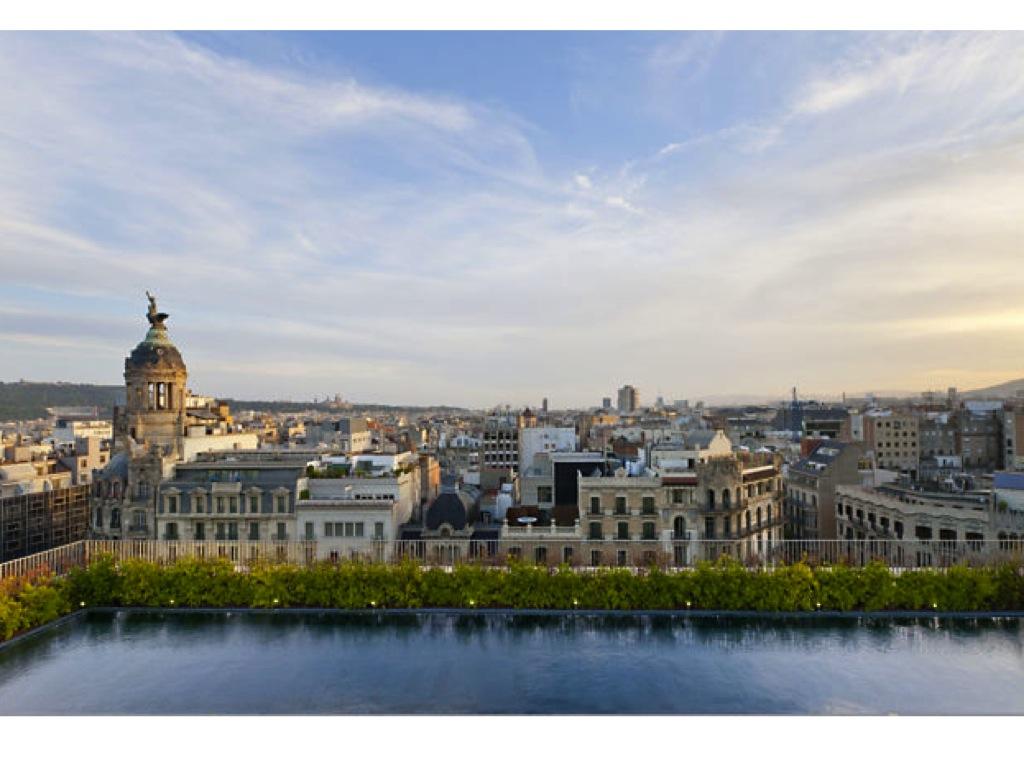 Bcn 360 24 horas de skyline desde las terrazas de los - Terrazas hoteles barcelona ...