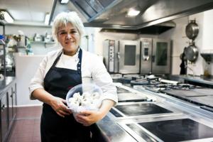 Mari Carmen Vélez, Restaurante La Sirena