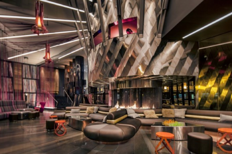 Interiorismo, The Living Room, en el W Hotel de Seattle, de Slylab