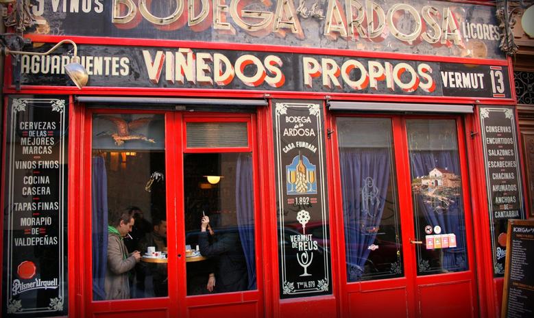 Vermut Bodega de la Ardosa en Madrid, foto de Juan Antonio Flores Segal en Flickr