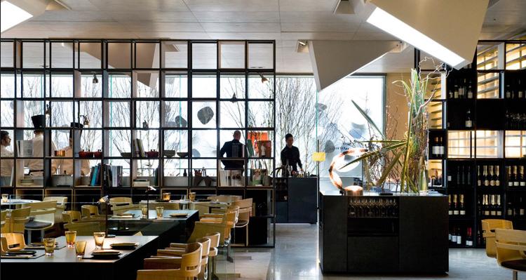 Sandra tarruella interioristas firma el best bar europe for Grupo europa muebles