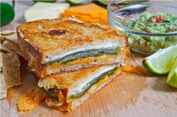 Sandwich de pimiento y dos quesos