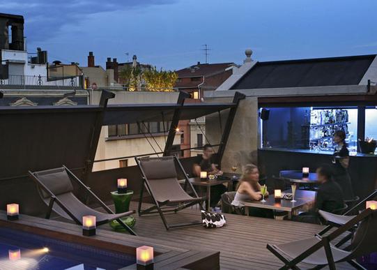 Bares de Barcelona. Bar Terraza 8 del Hotel Granados 83