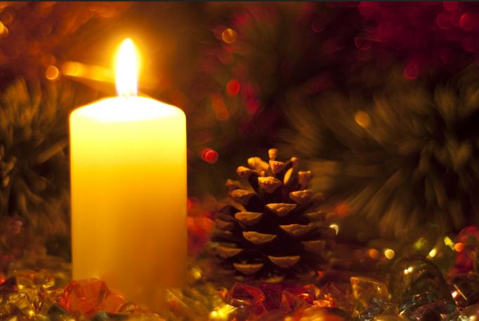 Con Un Par De Velas Centros De Navidad Para Mesas 12 Eva Ballarin - Velas-de-navidad
