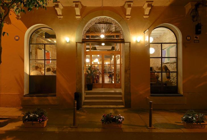 Café Godot Sant Doménec, 19 (Gràcia), Barcelona